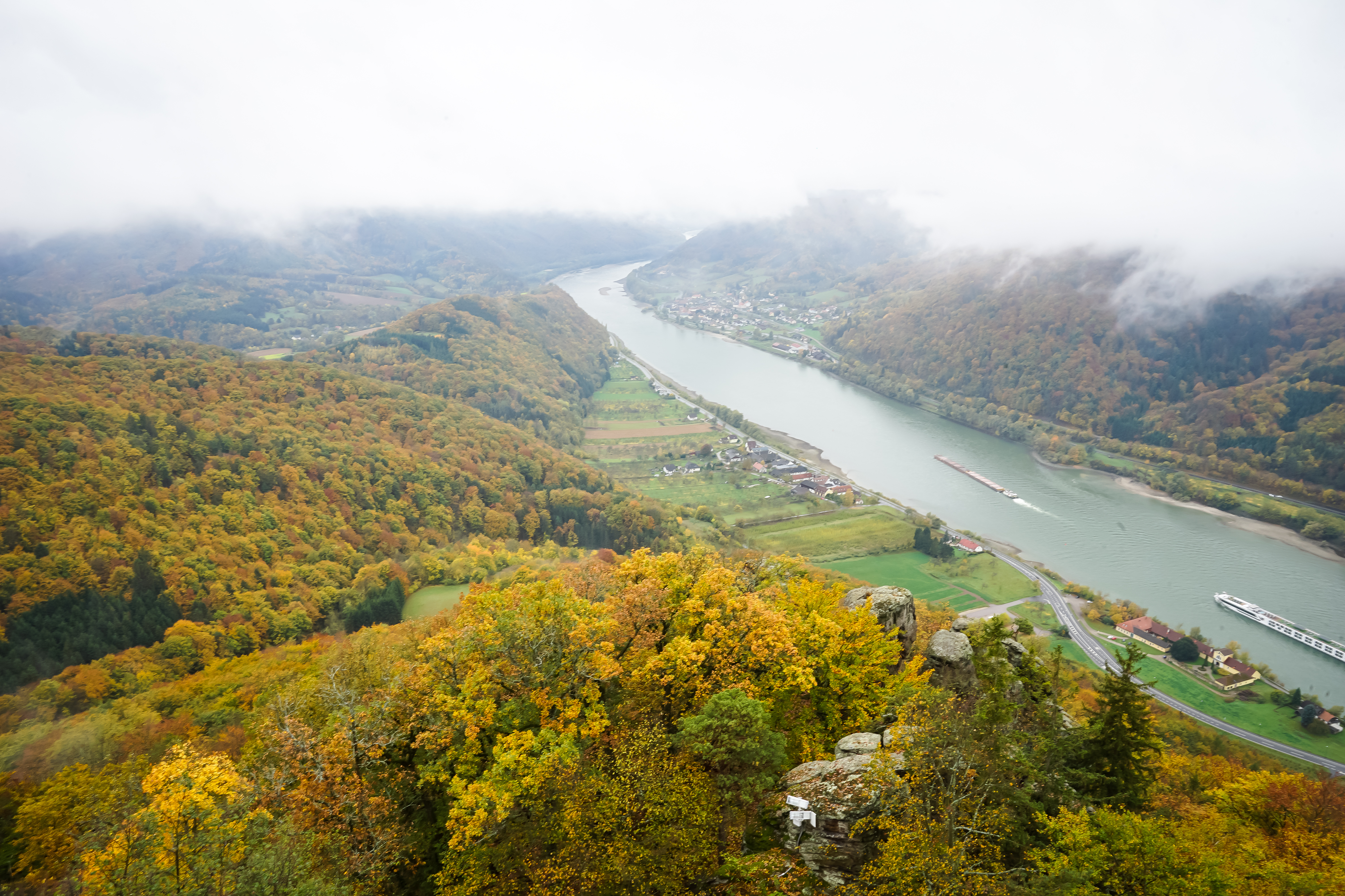 Herbstlicher Ausblick von der Aggstein